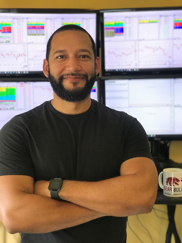 Carlos Moreta (Teaneck, New Jersey)